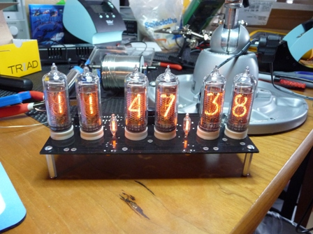 smallp1000455 Nixie tube clock
